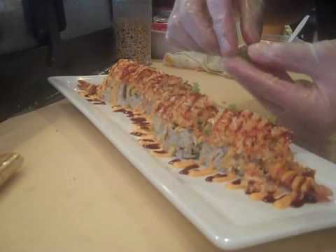 How to make a Sunset Blvd. Roll @ Sushivids.com