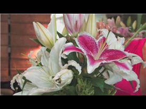 Wedding Floral Arrangements : How to Make Flower Arrangements With Lilies