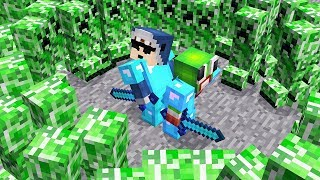 10,000 CREEPERS VS MOST PROTECTED MINECRAFT BASE!