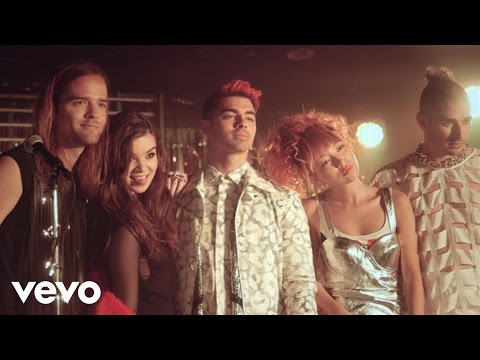 Hailee Steinfeld - Rock Bottom (Behind The Scenes) ft. DNCE
