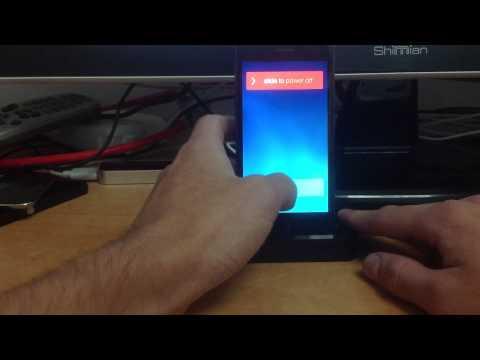 iOS 7.0.2 - Emergency Voicemail Call glitch