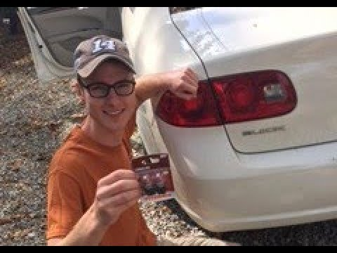How to replace a brake light on 2007 Buick Lucerne