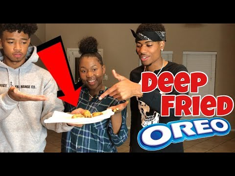 HOW TO MAKE FRIED OREOS | COOKING WITH THE BANANA CREW!!!