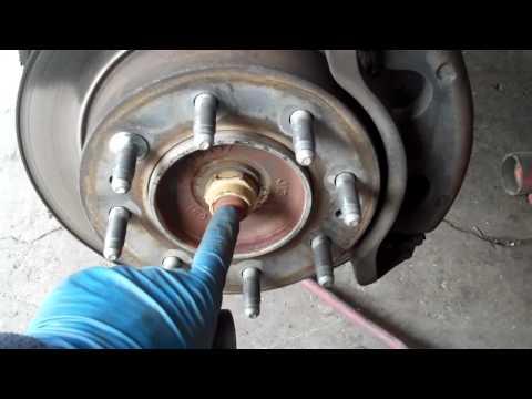 Silverado Sierra 2500HD 00-06 Front Wheel Hub Bearing Duramax  ABS light 4x4 4wd
