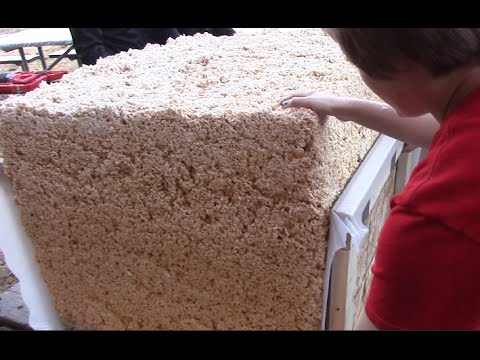 These UW students made a 500lb Rice Krispie treat this weekend