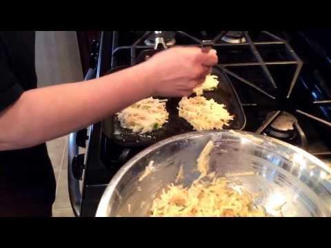 Perfectly crispy Potato pancakes (latkes)