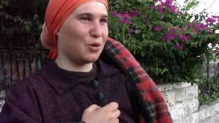 Crazy israeli settler attack pacifists at Jerusalem