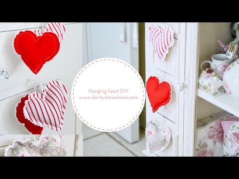 How to make and sew a hanging heart, Valentines DIY