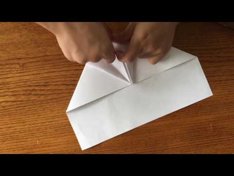 World's best acrobatic paper airplane