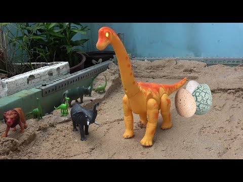 Dinosaur walking and laying Eggs Toys! Dinosaurs for children toy play