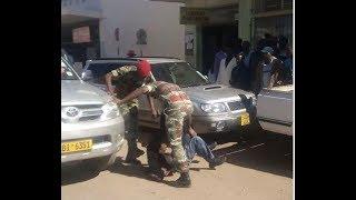 Zimbabwean soldiers beat up police !   S Africa News