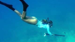 Girl Spearfishing and Diving in Florida Keys