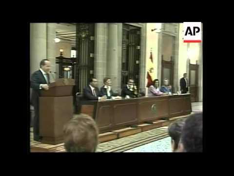 Zapatero and Calderon meet Spanish civil war exiles