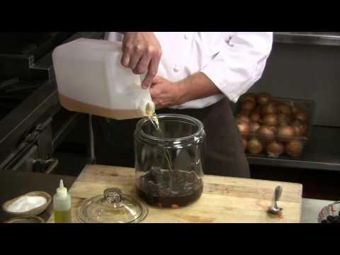 How to Make Blackberry-Infused Vinegar
