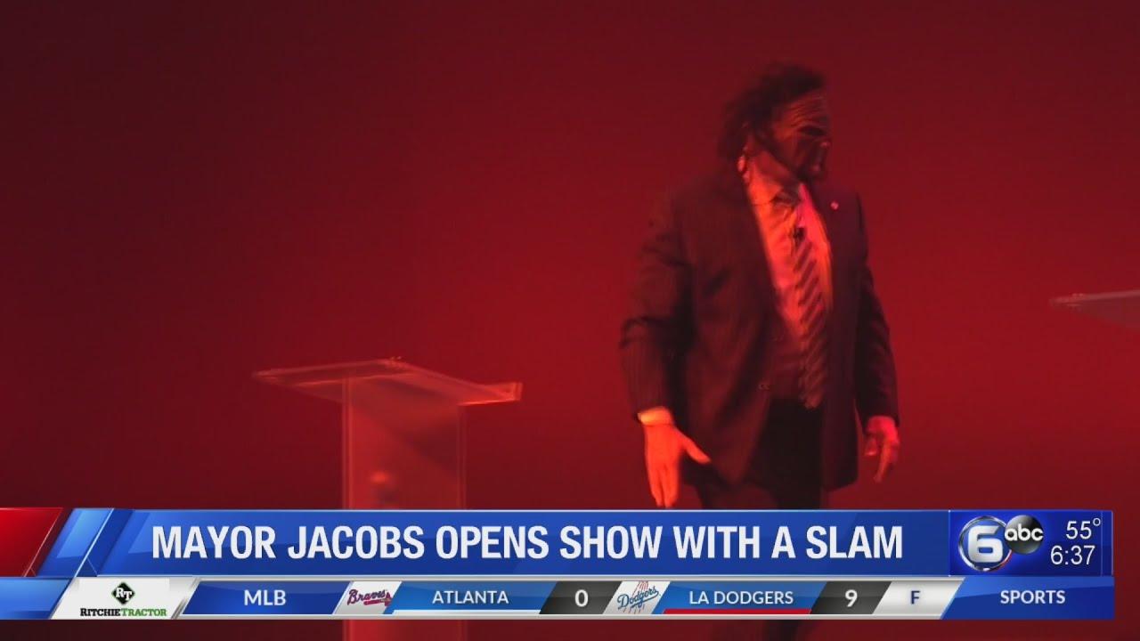 Knox County Mayor Glenn Jacobs reprises 'Kane' role for symposium speech
