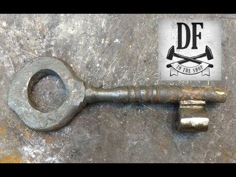 Blacksmithing Project - A Simple Nuremberg Box 17