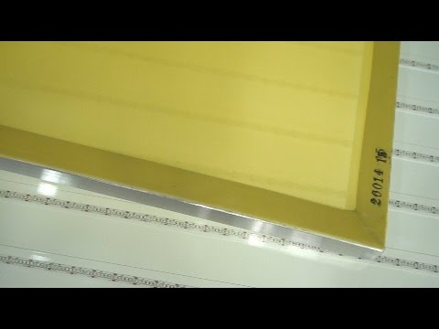 Learn How To Screen Print: Yellow Screen Mesh Vs. White Screen Mesh