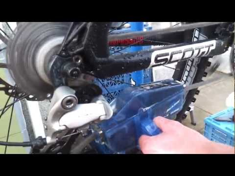 Park Tool Bicycle Chain Cleaning Device...