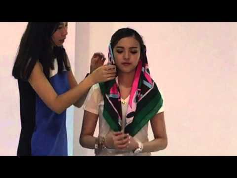 How to tie a scarf - retro style. Demo at the Global Sources Fashion Accessories show, Hong Kong