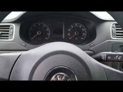 VW Jetta S 2.0 L Power steering fluid change and type of Hydraulic fluid oil that you need to use
