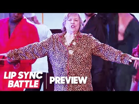 """Kathy Bates Slides Into """"That's What I Like"""" by Bruno Mars 
