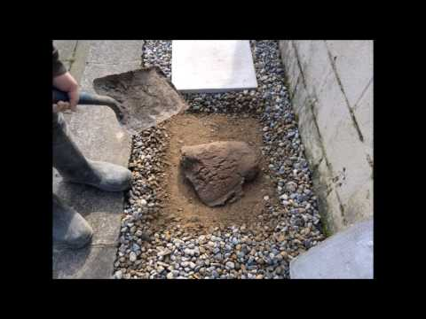 How to lay stepping stones on gravel