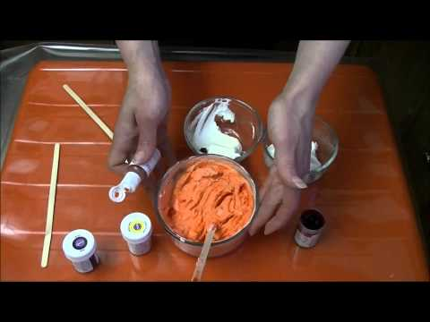 Coloring Whipped Cream Icing | Chox Decorates Cakes #19