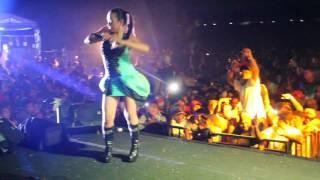 Frida Angella konser Tangerang ( Goyang Ulek )