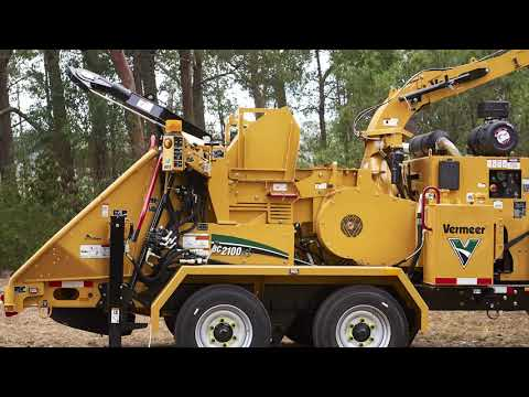 Australian Arbor Age reviews the new Vermeer BC2100XL wood chipper