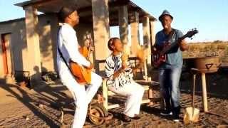Oliver Mtukudzi ft Munya Mataruse-Tsika dzedu - PakVim net