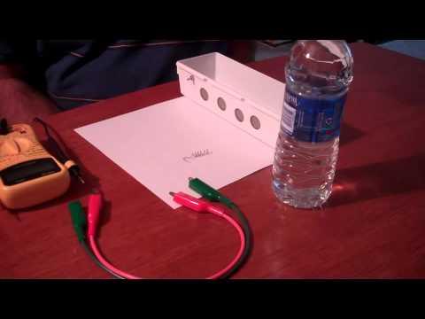 Palladium fuel cell using an air cathode