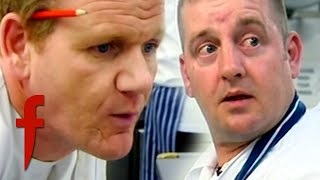 Amateur Chef Gets Into An Argument With Gordon Ramsay & WALKS OUT