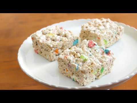 3 ingredient Lucky Charms Bars ☘️ | SweetTreats
