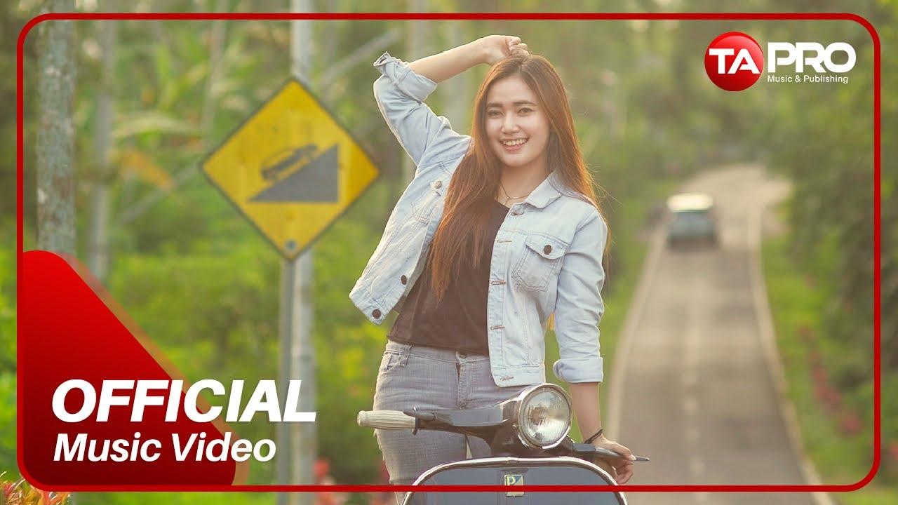 Download Dara Ayu - Ditinggal Pas Sayang-Sayange (Official Music Video) MP3 Gratis