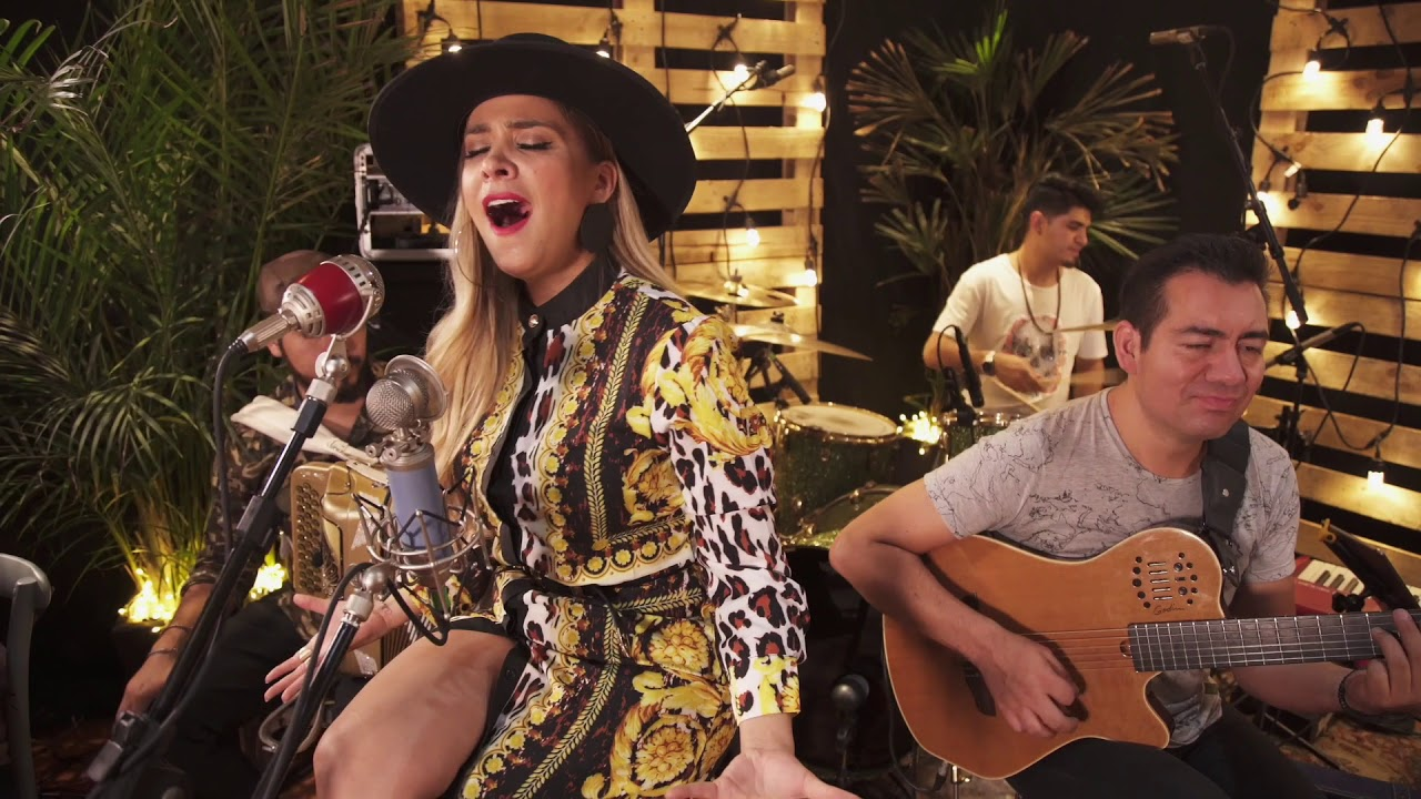 Medley de Rocío Durcal por Karina Catalán