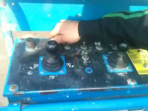 Operating Genie Z45-25 Manlift.MOV