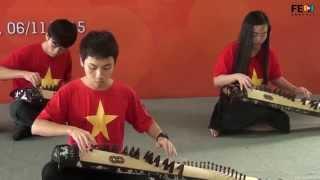 SV FPT biểu diễn đàn tranh đón đoàn thanh niên Trung Quốc