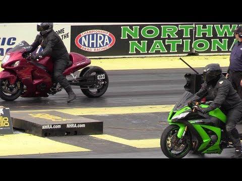 Hayabusa vs Kawasaki Ninja zx10r - motorcycles racing
