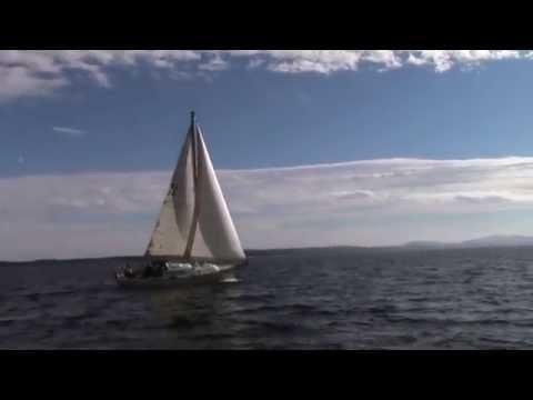 Vancouver Island Lifestyle - Sailing Stuart Channel
