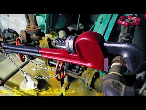Larp Weapon Review - Ironclaw Bill, The Pipe Wrench by Calimacil