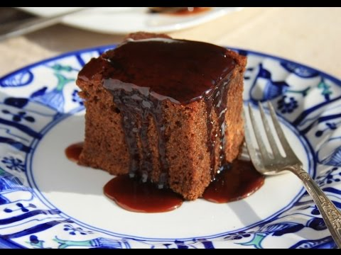 How to Make Old Fashioned Gingerbread Cake