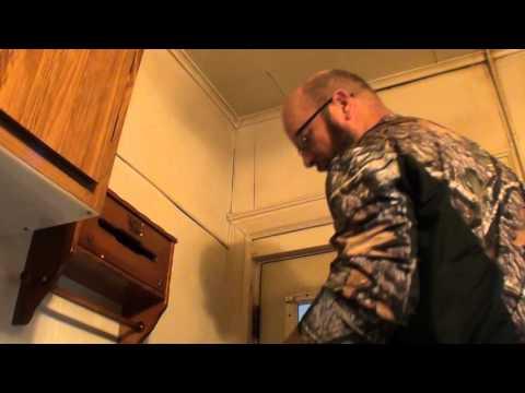 Life Hack for men: Scrubbing Bubbles -VS- Nicotine covered walls