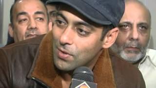 Salman Khan at Sabri Nihari Devon Chicago 2006