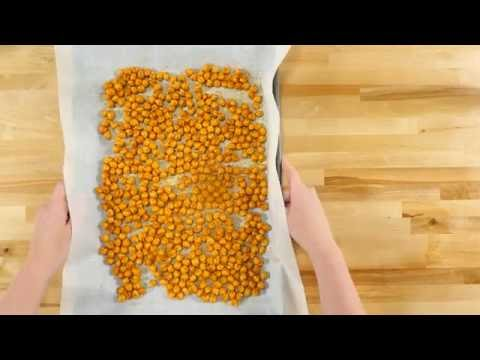 Spicy Curry Roasted Chickpeas