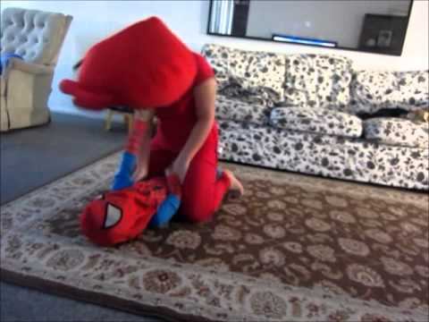 Angry birds vs Spiderboy