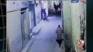 أول فيديو للحظة تفجير الإرهابي نفسه بمنطقة الأزهر أثناء ملاحقة رجال الشرطة