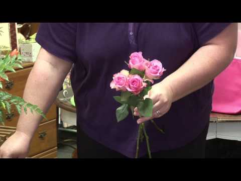 Flower Arrangements : How to Make a Rose Bouquet for a Flower Girl