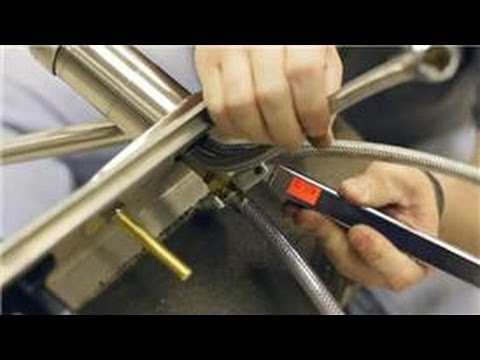 Kitchen Sink Faucets : How to Repair Kitchen Spray Hoses