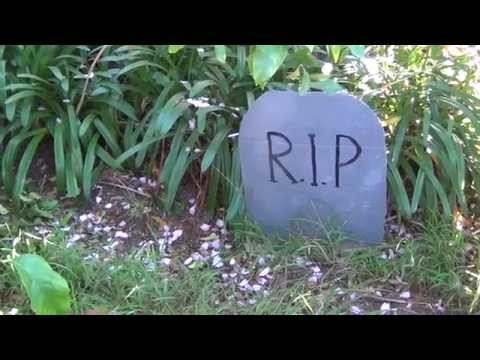 How to make a fake Halloween tombstone