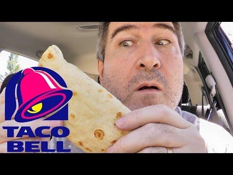 Taco Bell Steak Flatbread Sandwich REVIEW